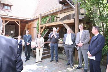 Bundestagsabgeordnete beten für das Dehnberger Hof Theater?