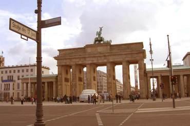 Die Ampel ist grün, wir fahren nach Berlin