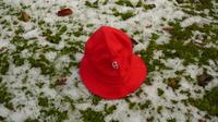 Der Hut auf dem Anger