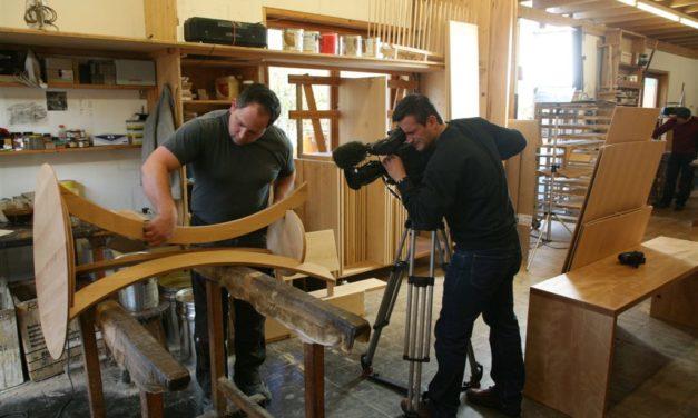 ZDF über Regionalbewegung und Möbelmacher mit Nürnberger Tropenholzskandal und rotkerniger Buche