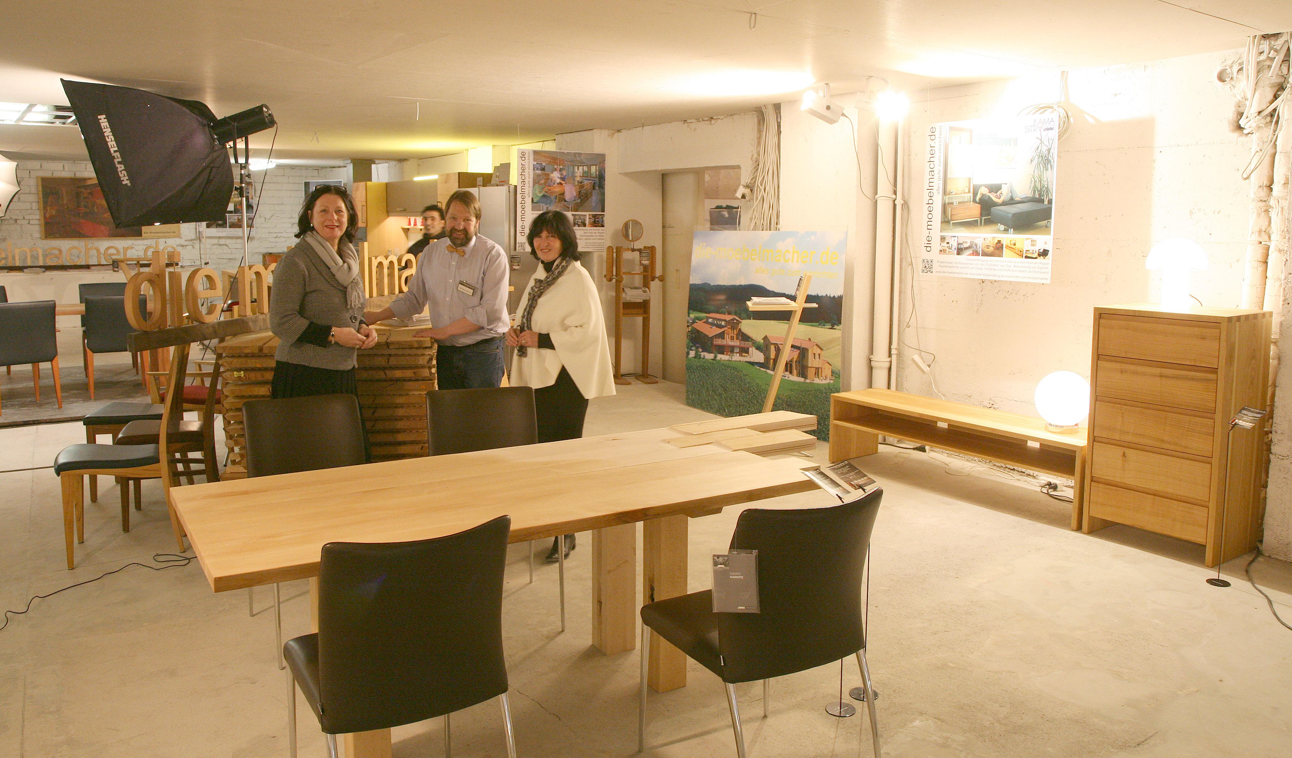 Die Möbelmacher rohbauexklusiv die möbelmacher beteiligen sich an kunstausstellung