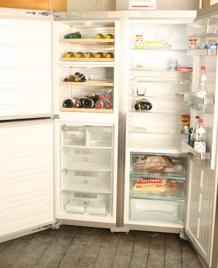 Miele Side By Side Kühlschrank Und Ein Wein Temperierschrank Im