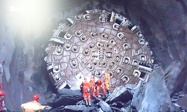 Vom Gotthardpass zum Gotthard-Basistunnel