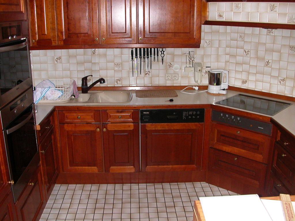 Nachhaltig Einrichten: gebrauchte Möbelmacherküche und übrige Küche ...