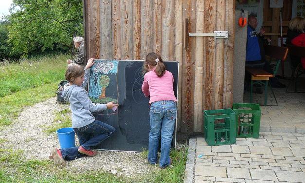 Apfelurform, Apfelseminar und Malerei aus Kinderhand