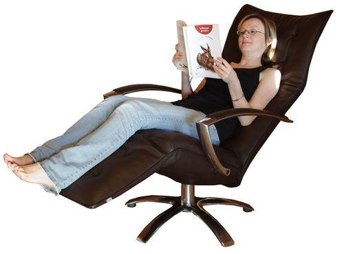 """Rechtzeitig zur Consumenta eingetroffen: der neue Relaxsessel von Jori heiß """"Square"""""""