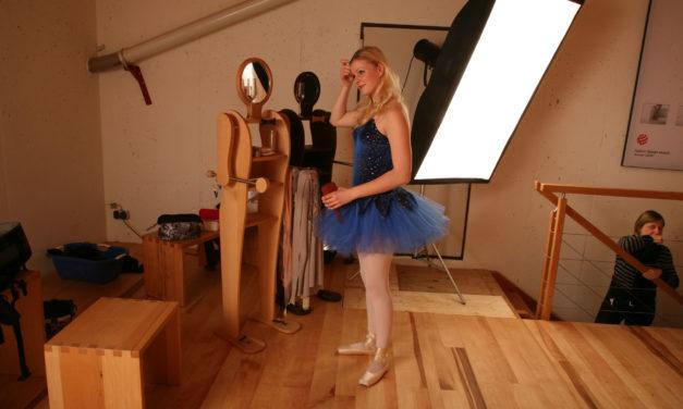 Die Ballett-Tänzerin und das Fussbodenlegen – Teil 2
