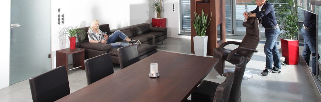 Möbelmacheranzeige für Jori Polstermöbel  mit QR-Code verbunden
