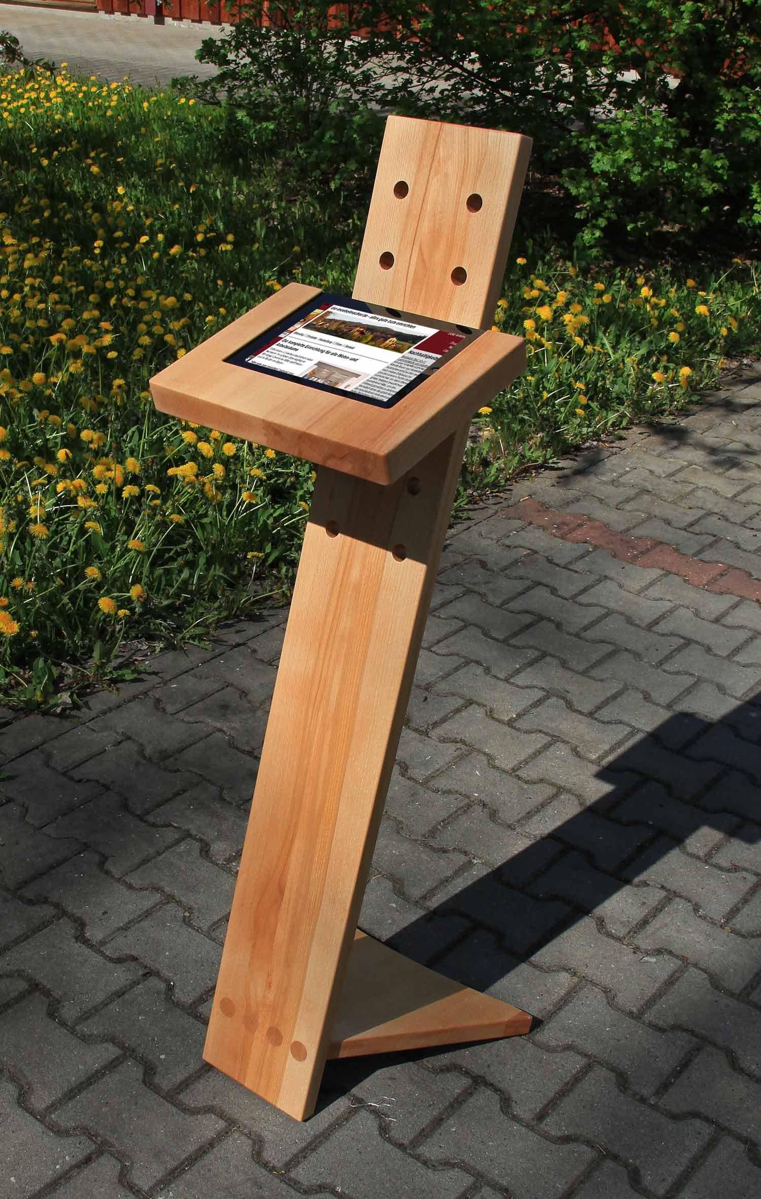 ipad display aus stehpult entwickelt ipult das nachhaltigkeitsblog der m belmacher. Black Bedroom Furniture Sets. Home Design Ideas