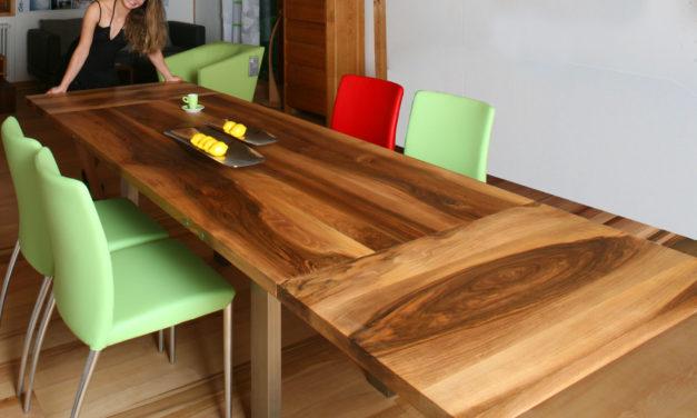 Massivholztisch aus fränkischem Nussbaum mit Ansteckplatten und Jessica – jetzt mit Video