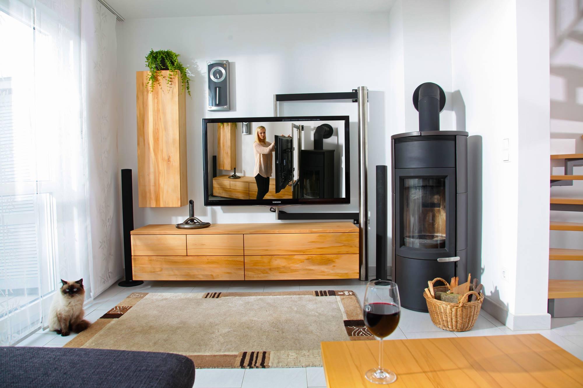 wohnzimmer in nass gelagerter buche mit tv schwenkarm und jasmin das nachhaltigkeitsblog der. Black Bedroom Furniture Sets. Home Design Ideas