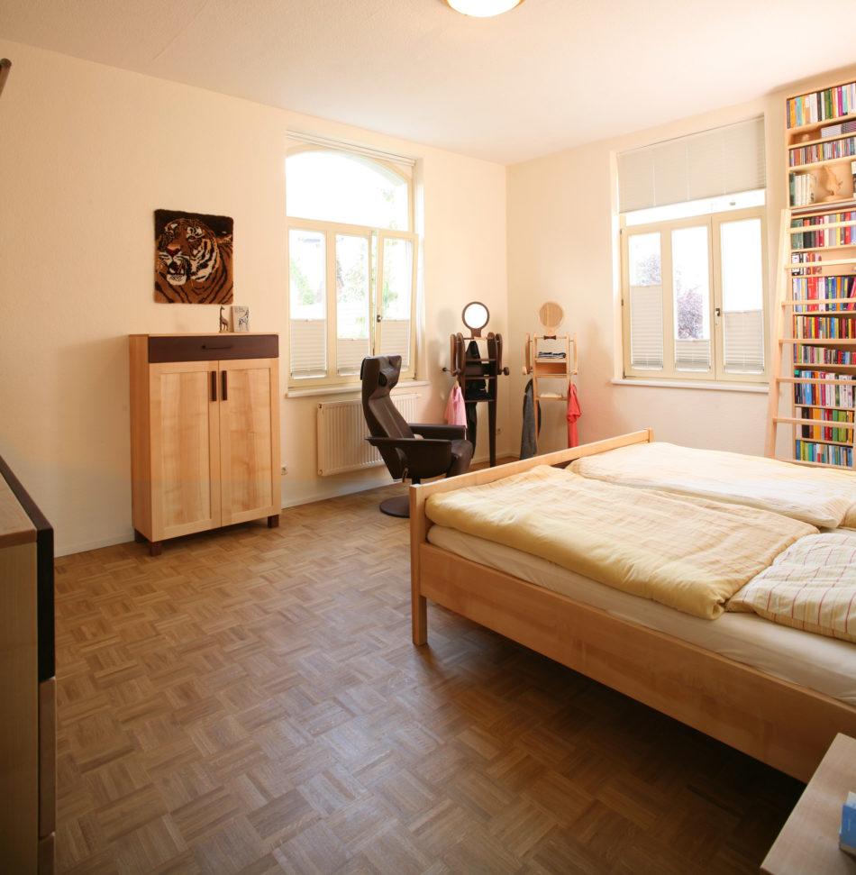 Schlafzimmer mit Karriereleiter in Jugendstil-Villa - Das ...