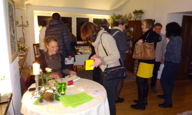 """Flotte Lesung von Jaana Prüss aus ihrem Buch """"fair handeln"""" am Michelsberg"""