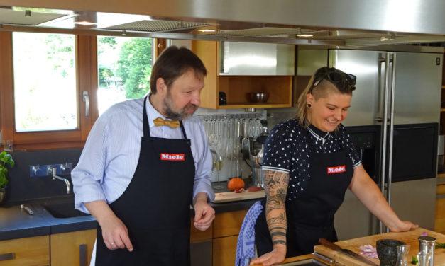 Kocheinrichtung Spezial: Diana Burkel erzählt ihre Kochgeschichte und erklärt die Philosophie im Würzhaus
