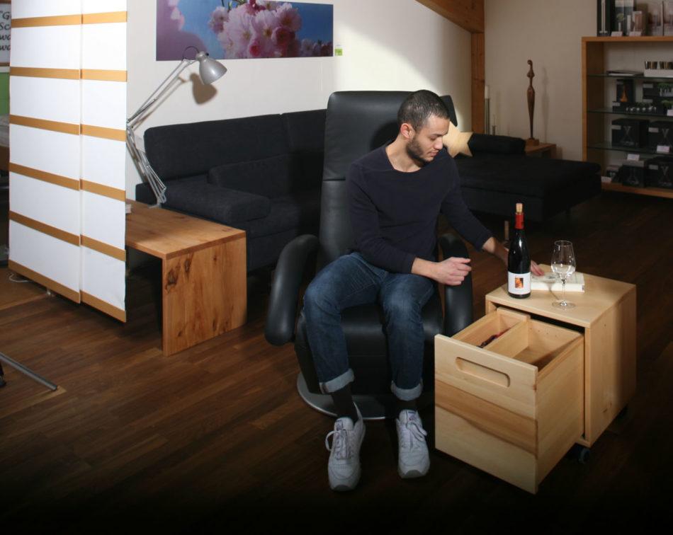 warum wir selbst beistelltischchen und couchtische zusammen mit den kunden entwerfen und in. Black Bedroom Furniture Sets. Home Design Ideas