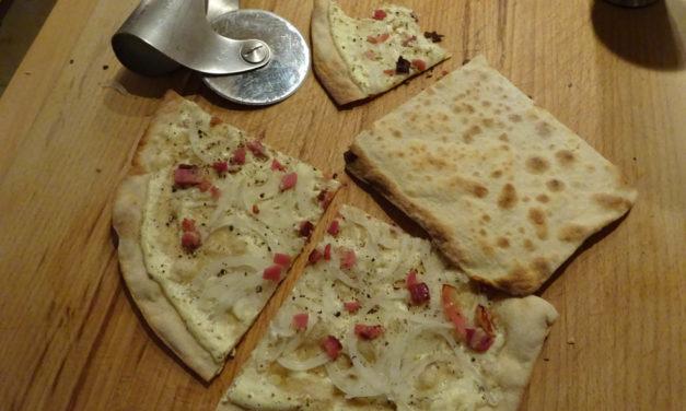 Einfach Kochen Nr. 4: Flammkuchen vom Pizzabackstein