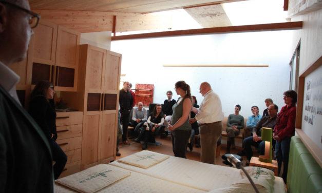 """Warum sich die Händler von Pro Natura Bettsystemen als """"Familie"""" bezeichnen"""