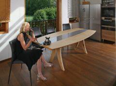 NL 136: Anmelden für Filmgala Dolores und fränkischen sommer, Massivholztisch, Kirschbaumwohnzimmer und Unterstützerkreis