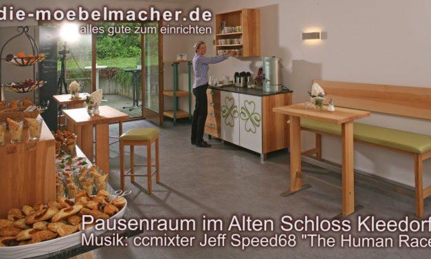 Massivholzmöbel für den Pausenraum im Hotel Zum Alten Schloss in Kleedorf