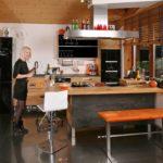 Die neue Massivholzküche aus fränkischer Eiche kann im neuen Jahr schon einen neuen Besitzer bekommen