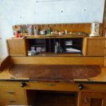 Gründerzeitschreibtisch-Schnäppchen, Möbelrücknahme und andere besondere Serviceleistungen