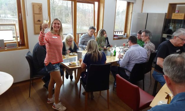 Schöne Fotos vom Generationen-Kochworkshop im Februar – Seviche (Ceviche) vom Saibling, Sellerieschnitzel und Weideschwein
