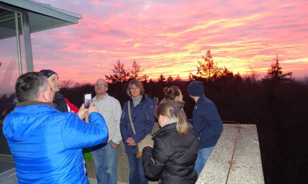 Grandioser Sonnenuntergang und Winterwanderung zur Edelweißhütte und dem Arzbergturm
