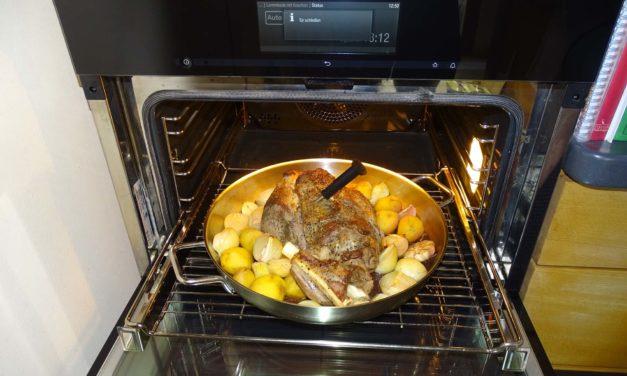 Einfach Kochen Nr. 11: Lammkeule provenzalisch im Miele Automatikprogramm mit Bratenfunkthermometer