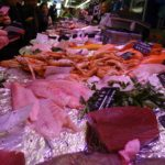 Paris im April 4: Markt in Montrouge, Seeteufel improvisiert Sous Vide gegart