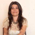 Der erste Stand-Desinfizierer aus Edelstahl und Franken, erfunden von einer Brasilianerin