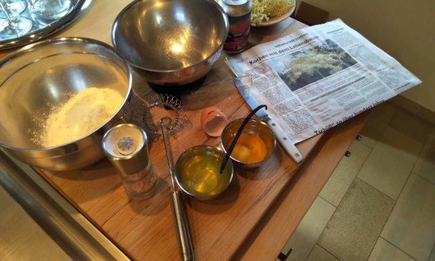 Einfach Kochen Nr. 13: Holunderblütenküchlein oder Hollerküchler zum Vergleich frittiert und vom Tepan Yaki