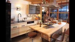 Newsletter 173: Eschenküche mit Home-Office-Ausstattung, Bettwarenaktion, Tepan putzen, Kompletteinrichtung, Porsche wirkt, Musiker-Couchtisch, Coganc, Wimmelbild-Verlosung