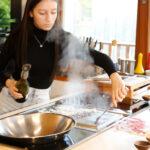 Am Tepan Yaki köstliche Sauce aus den Röststoffen des Fleisches herstellen und warum man dazu einen schicken Saugnapf braucht